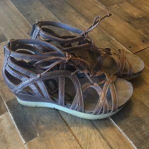 OTBT Nomadic Light Pewter Wedge Sandals Size 8